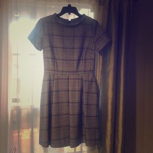 Cute little dress with pockets. Size 6-8. NWOT